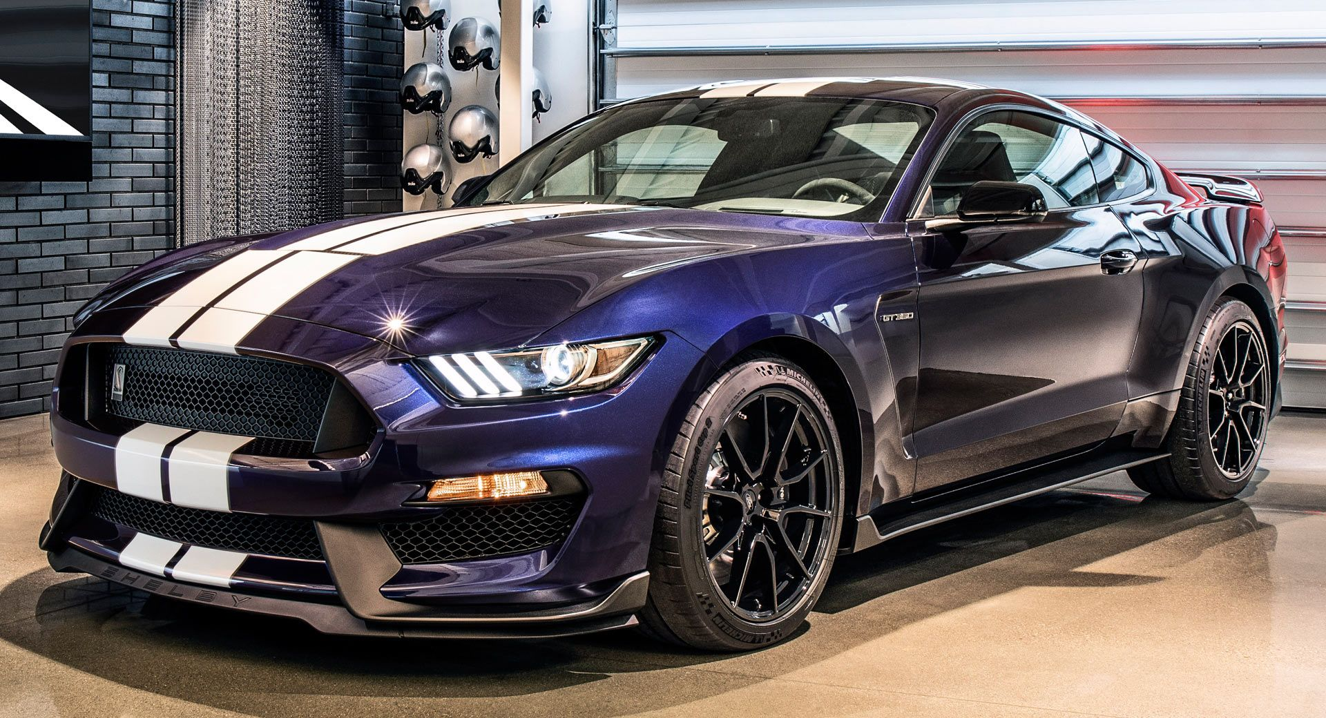 2019 Ford Mustang Shelby GT350 Debuts Aero Tweaks From The ...