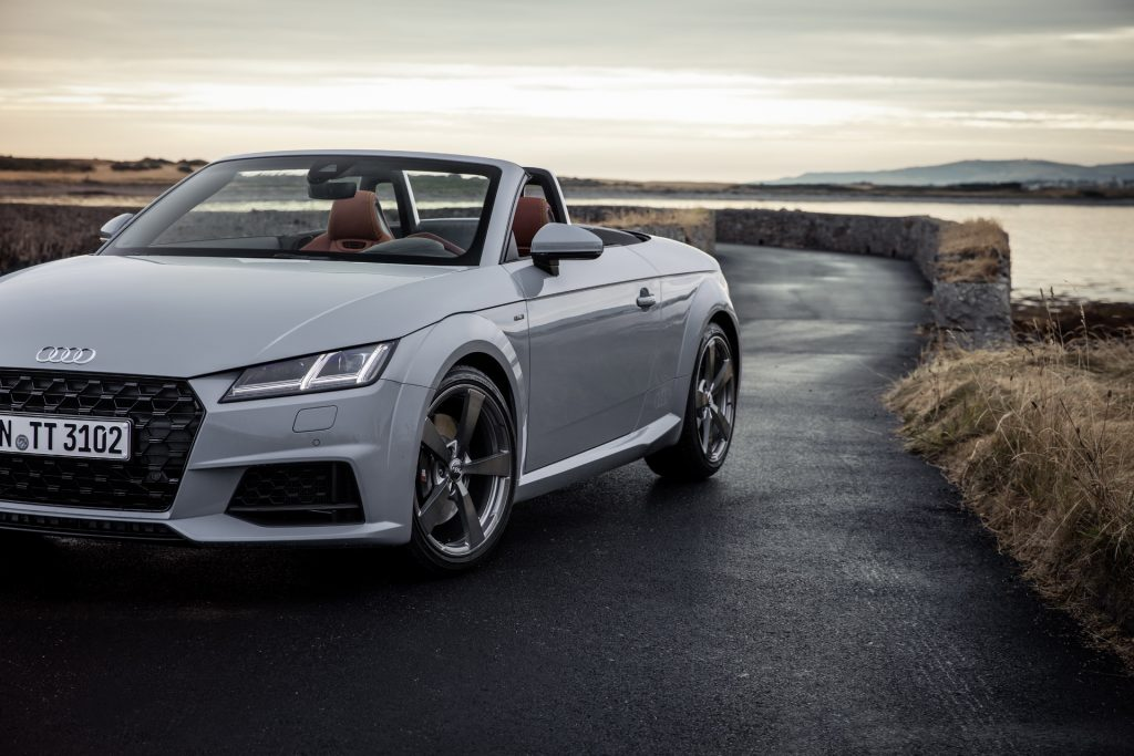 2019 audi tt facelift in detail gets special anniversary model new turbo versions. Black Bedroom Furniture Sets. Home Design Ideas