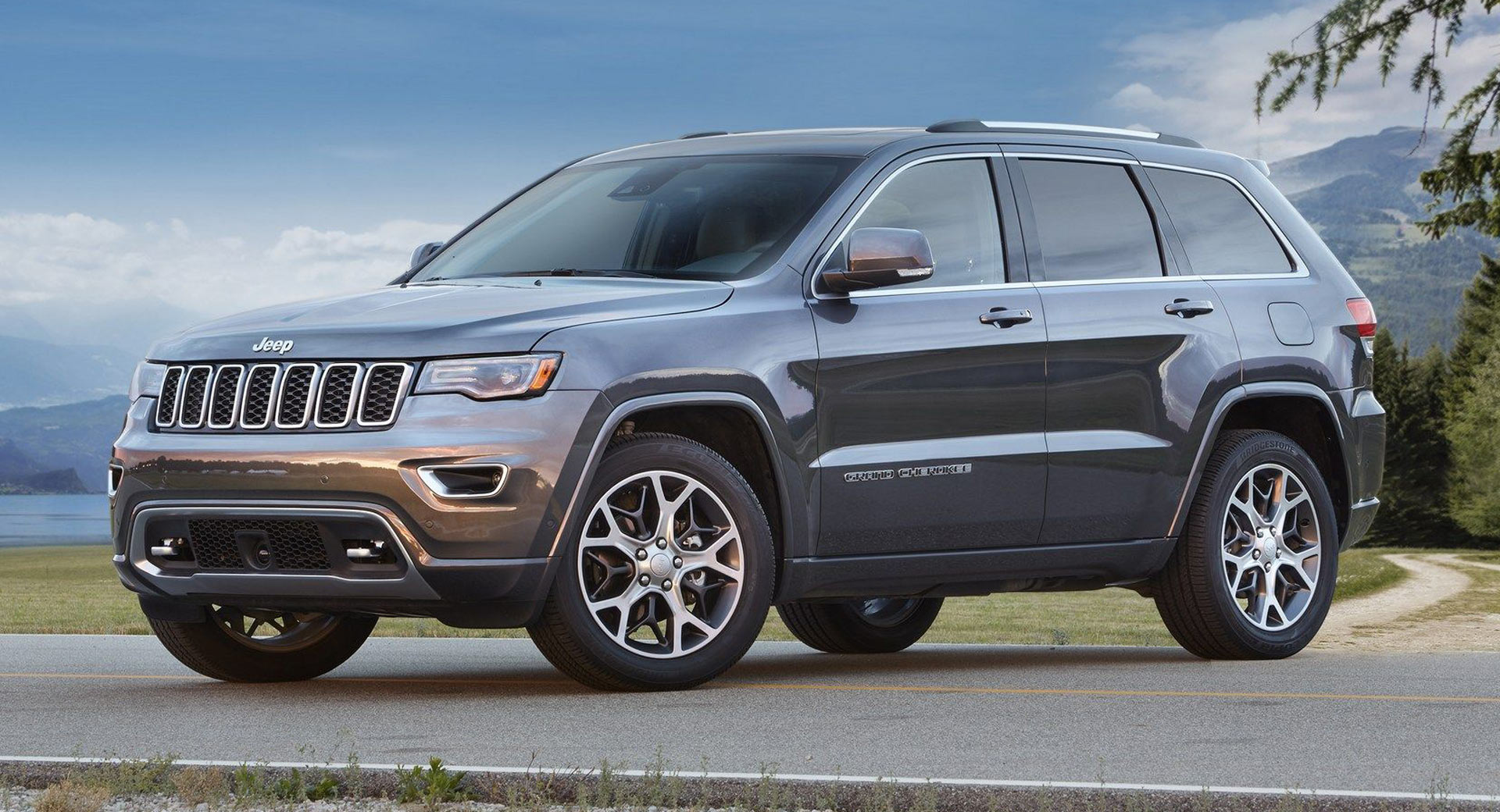 current jeep grand cherokee has been recalled 20 times in australia carscoops. Black Bedroom Furniture Sets. Home Design Ideas