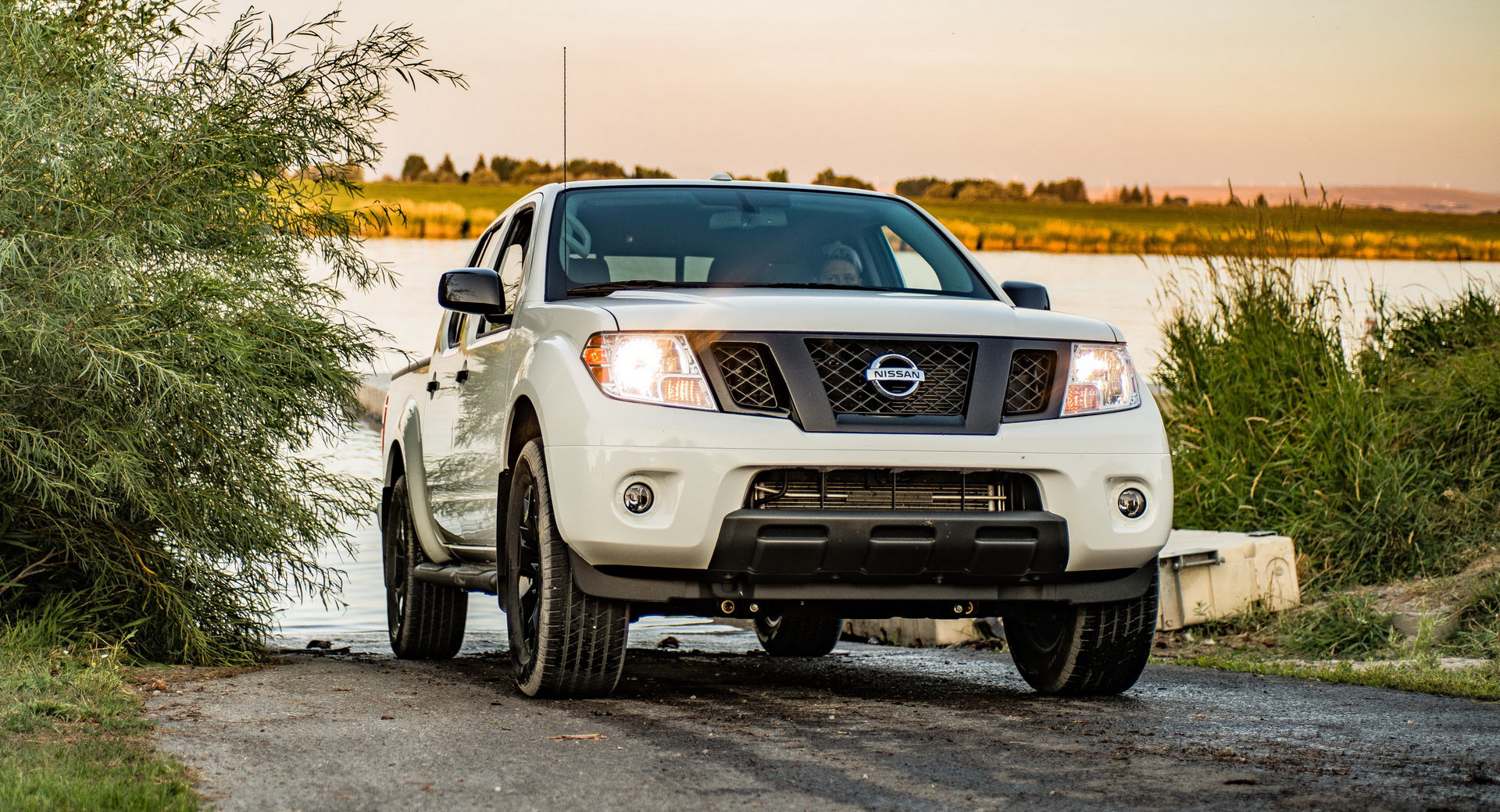 2019 Nissan Frontier: America's Most Affordable Pickup ...