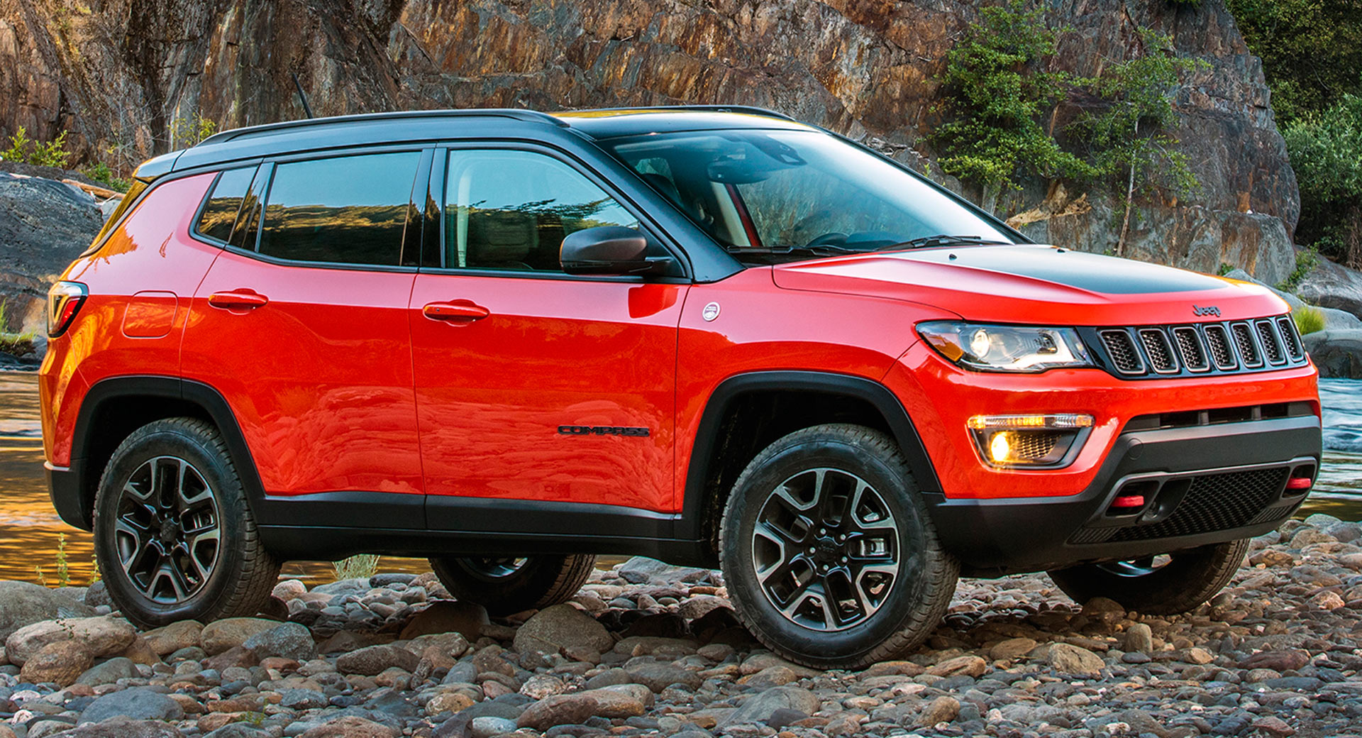2019 jeep compass upland special edition gives the entry level model trailhawk looks carscoops. Black Bedroom Furniture Sets. Home Design Ideas