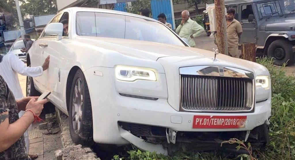 Indian Driver Crashes Rolls-Royce Ghost Before Even ...