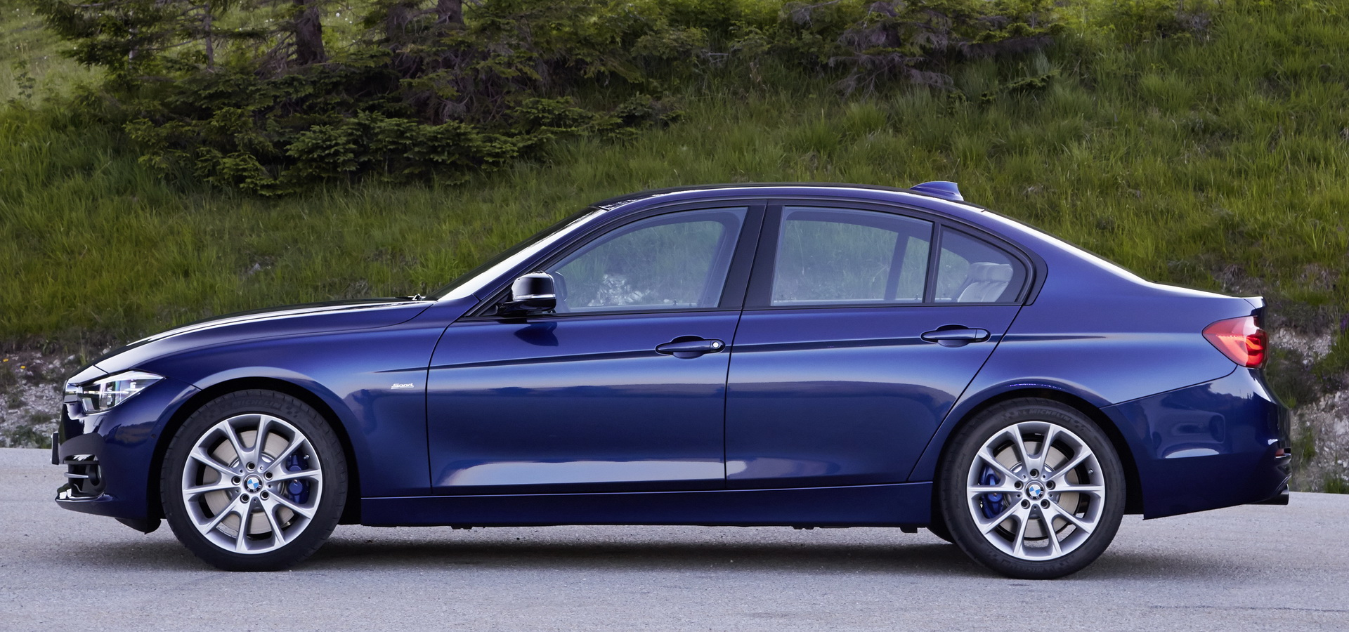 New BMW 3-Series (G20) Vs  Its Predecessor (F30): So, Is Newer