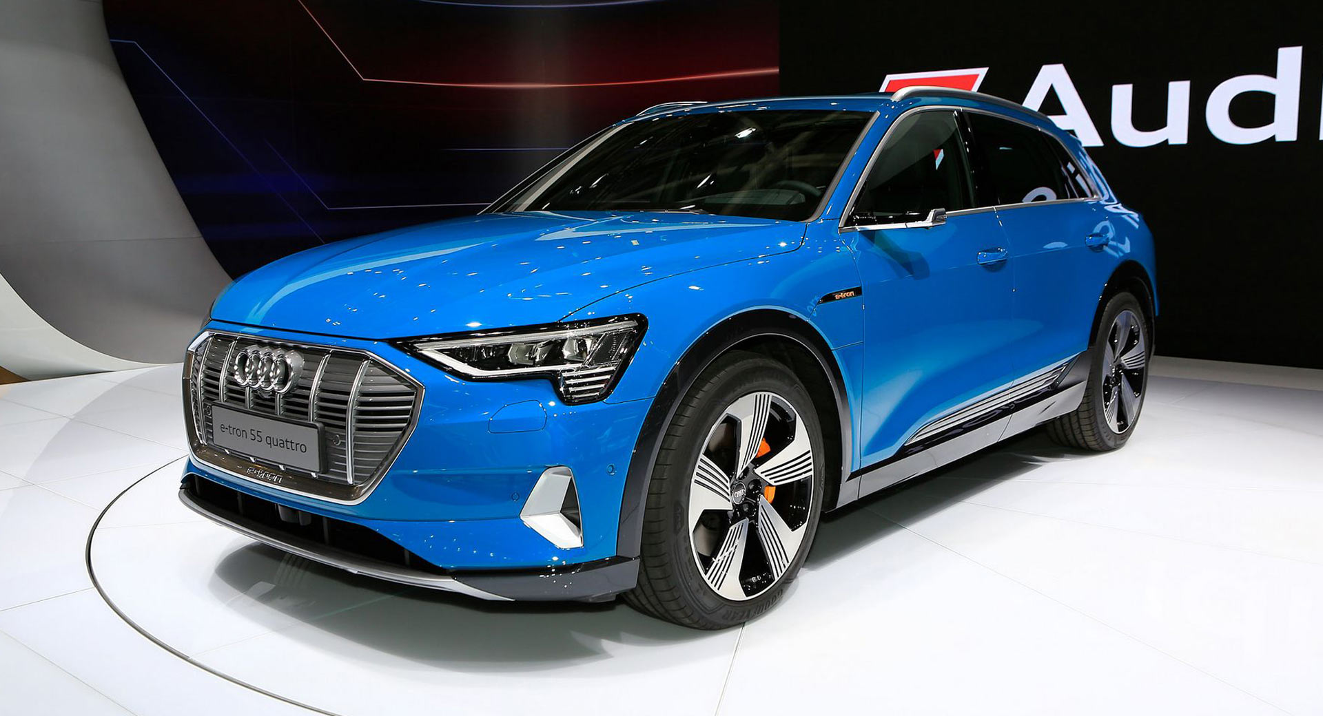 Tesla House Battery >> Audi Shows Its E-Tron SUV Model X Hunter In French Capital ...