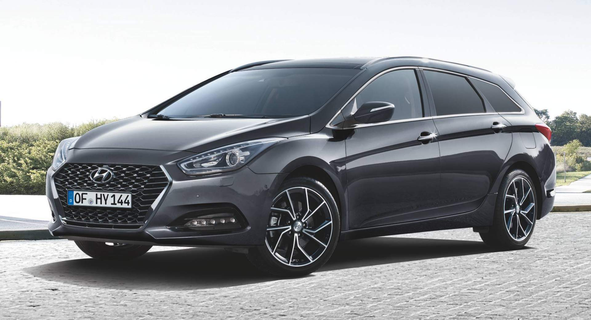 Hyundai Updates I40 Sedan And Wagon With New Grille