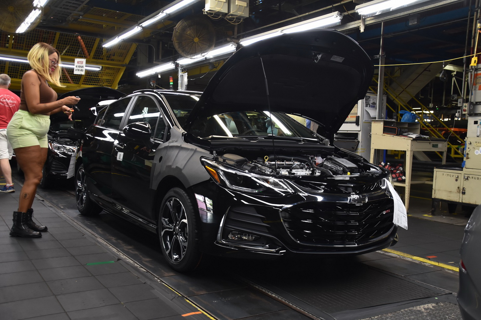 General Motors to lay off 4,000 workers in North America