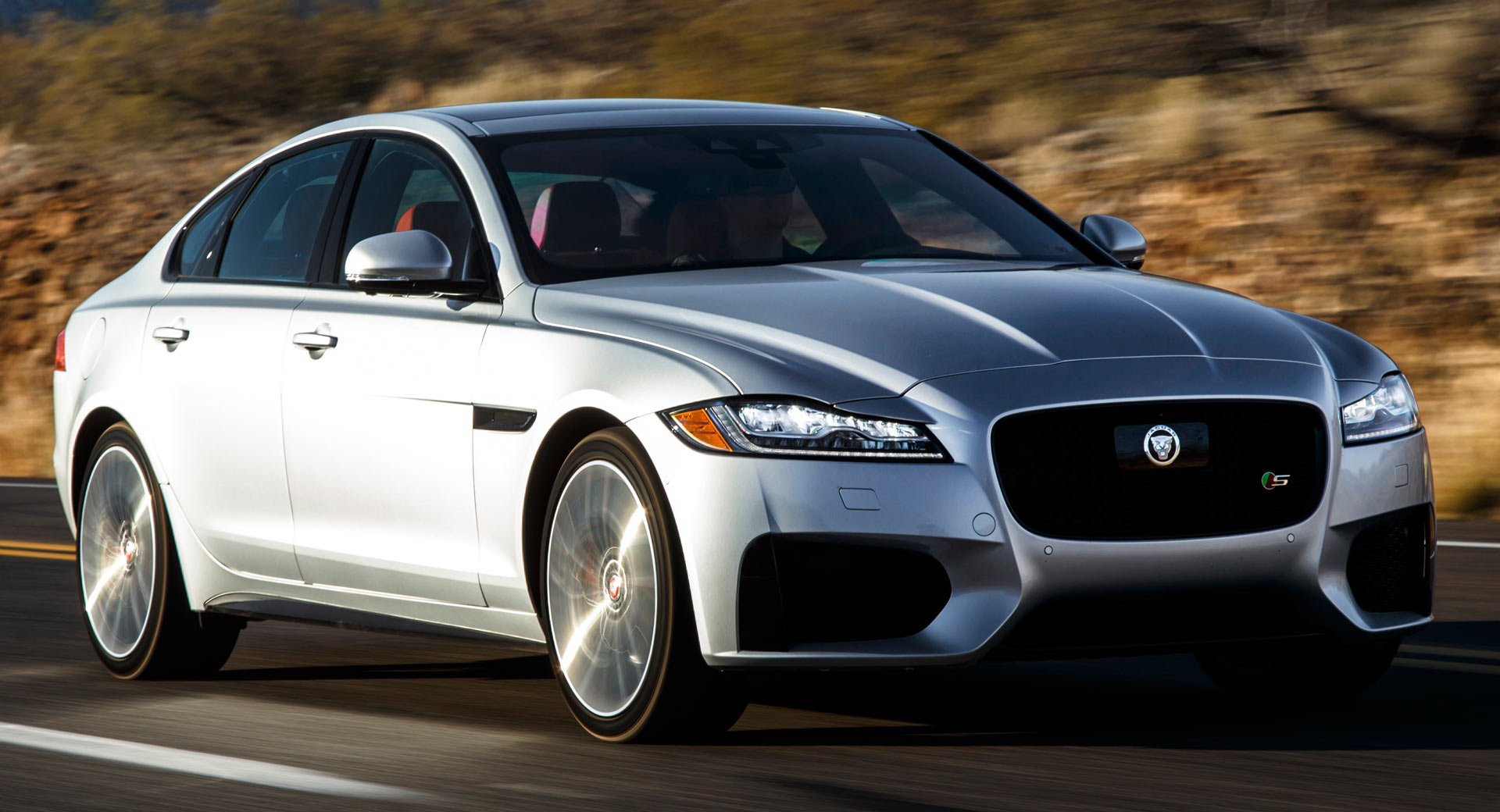 Jaguar Bringing Major Updates To 2020 Xf And F Pace Carscoops