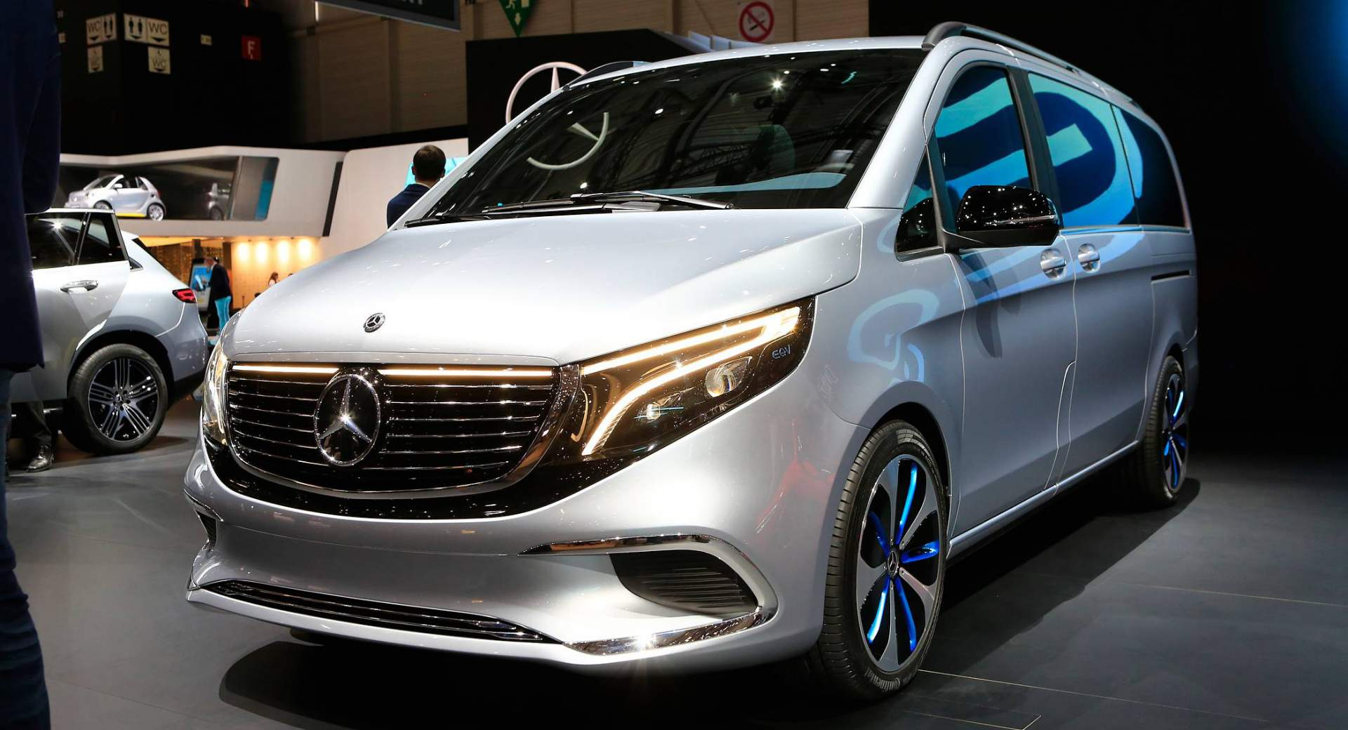 Mercedes Benz Minivan >> Mercedes Concept EQV Heralds Electric V-Class Arriving ...