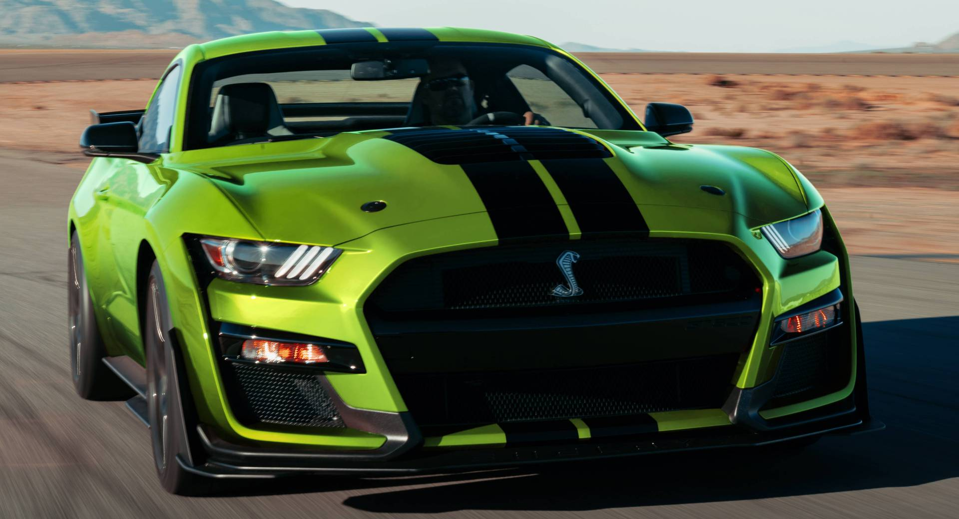2020 ford mustang gains grabber lime color in time for st patrick s day carscoops. Black Bedroom Furniture Sets. Home Design Ideas