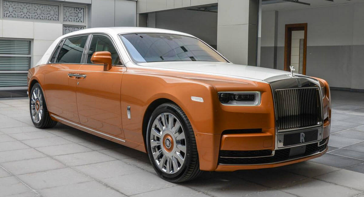 Rolls-Royce Phantom EWB With Privacy Suite Is The Majestic ...