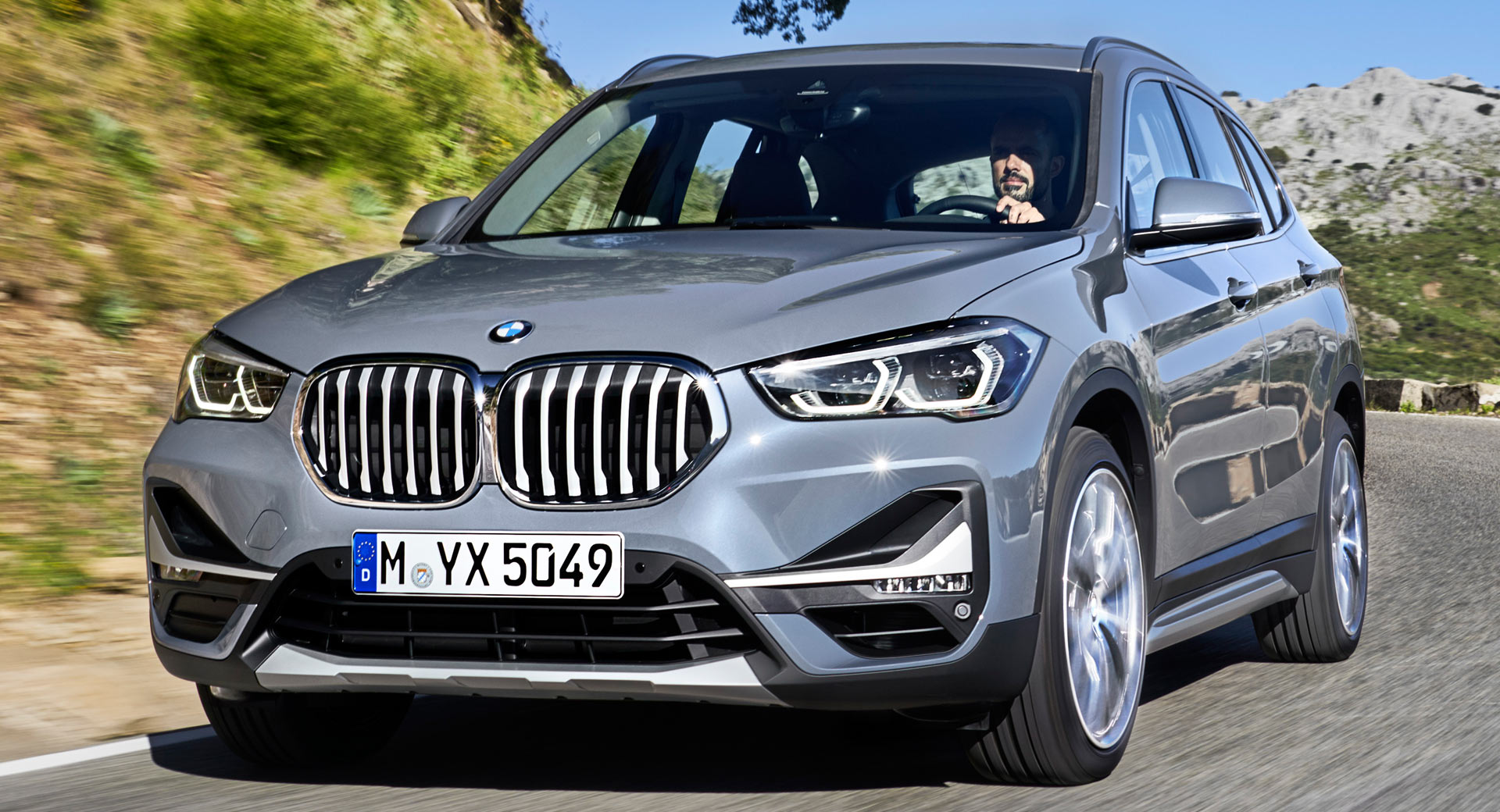 2020 Bmw X1 Debuts With New Looks And A Plug In Hybrid Powertrain Carscoops