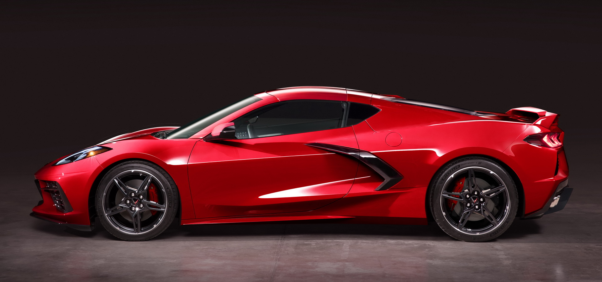 2020 Corvette Stingray Is Sort Of A Modern Ferrari 458 ...