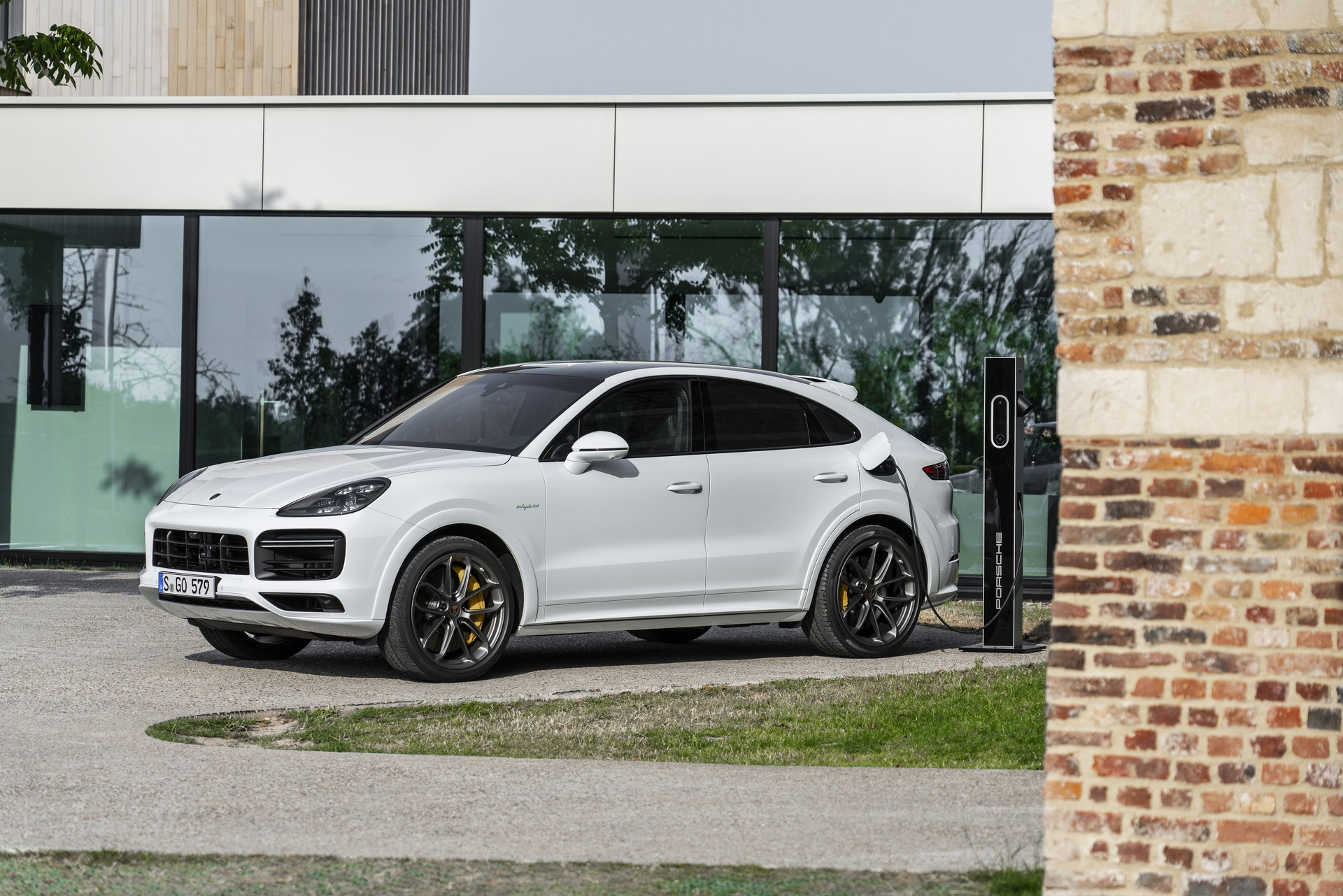 Porsche Cayenne hybrid models bring the power