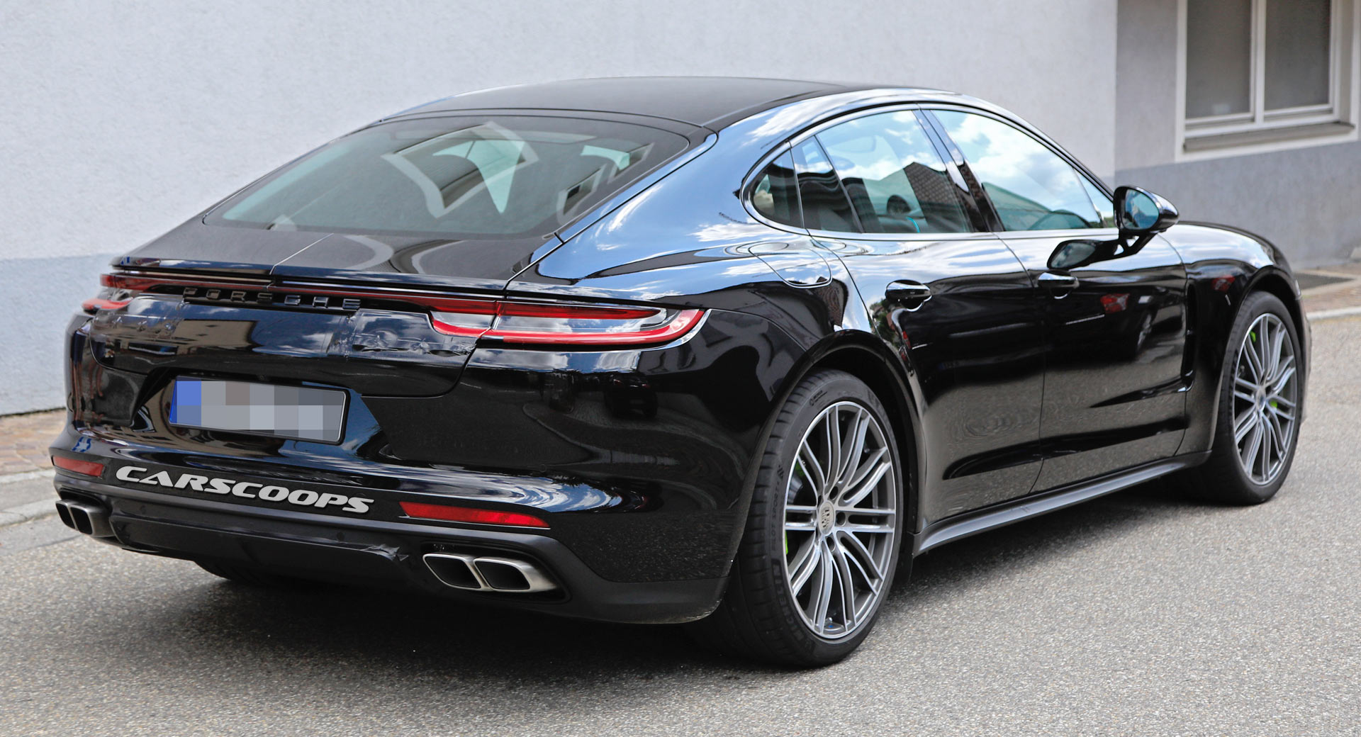 2020 The Porsche Panamera Performance