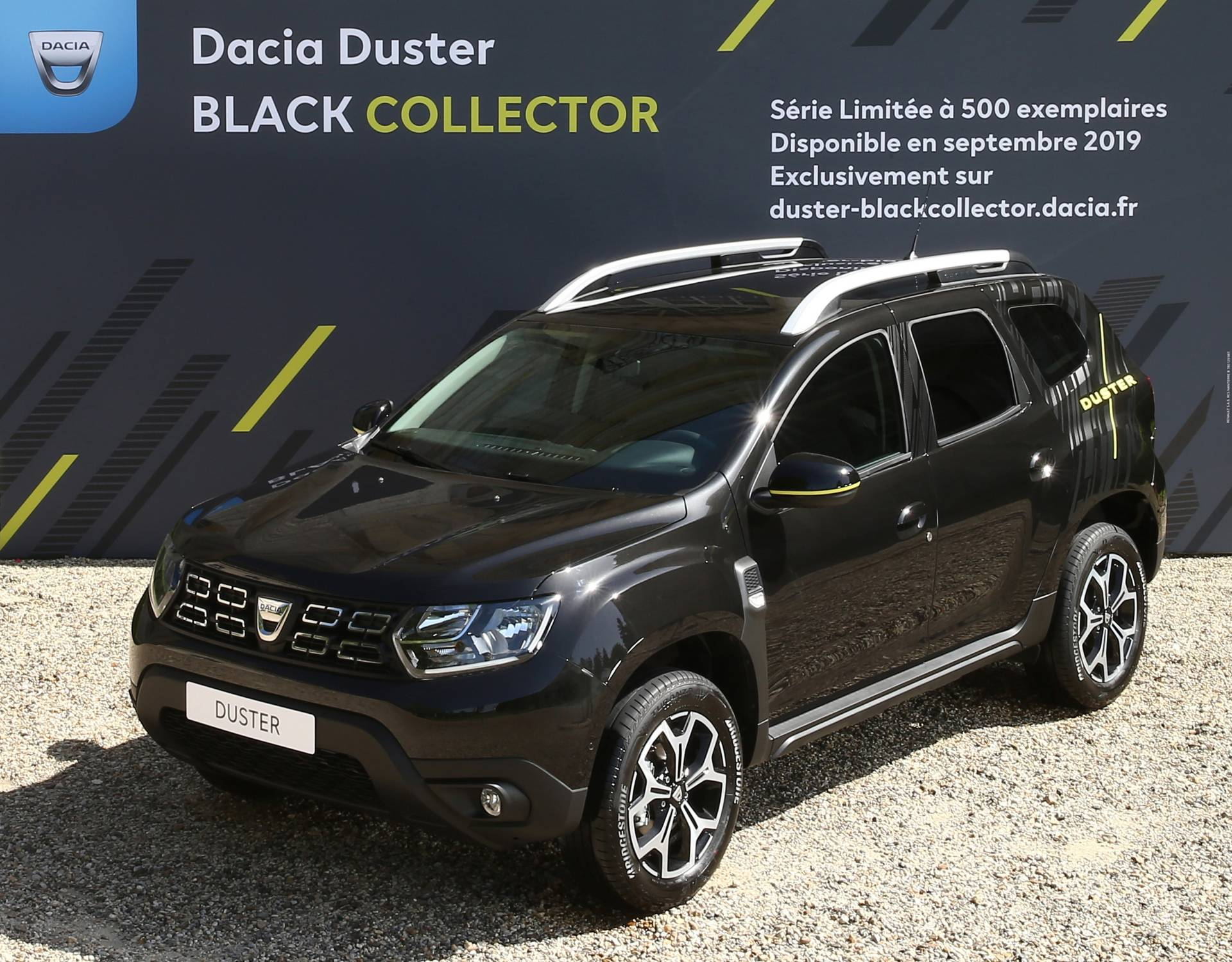 2017 - [Dacia] Duster II - Page 26 5df8832b-2020-dacia-duster-black-collector-limited-edition-12