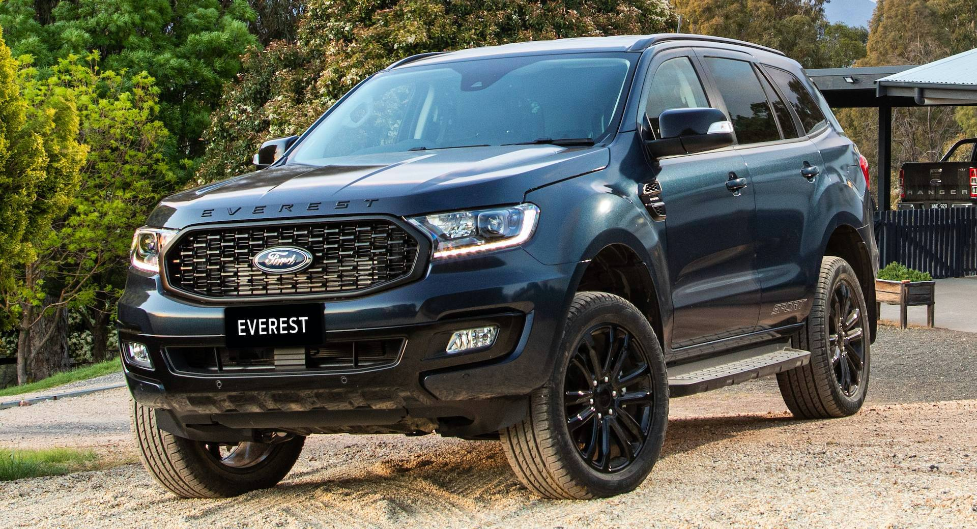 2020 Ford Everest Images