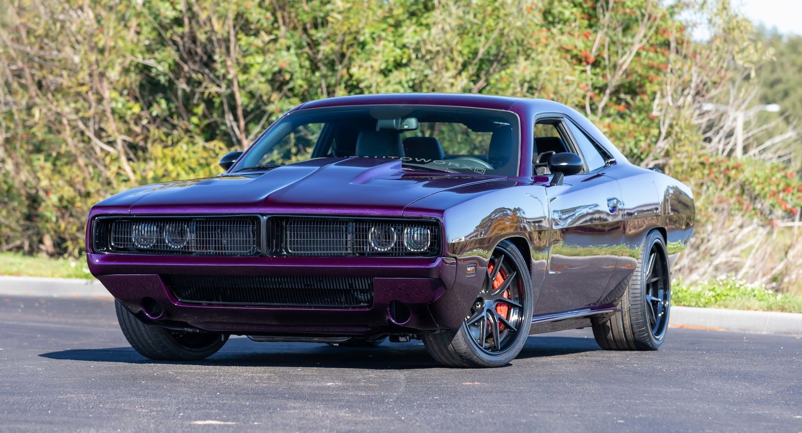 2019 Dodge Challenger Hellcat Wears Carbon 1969 Charger