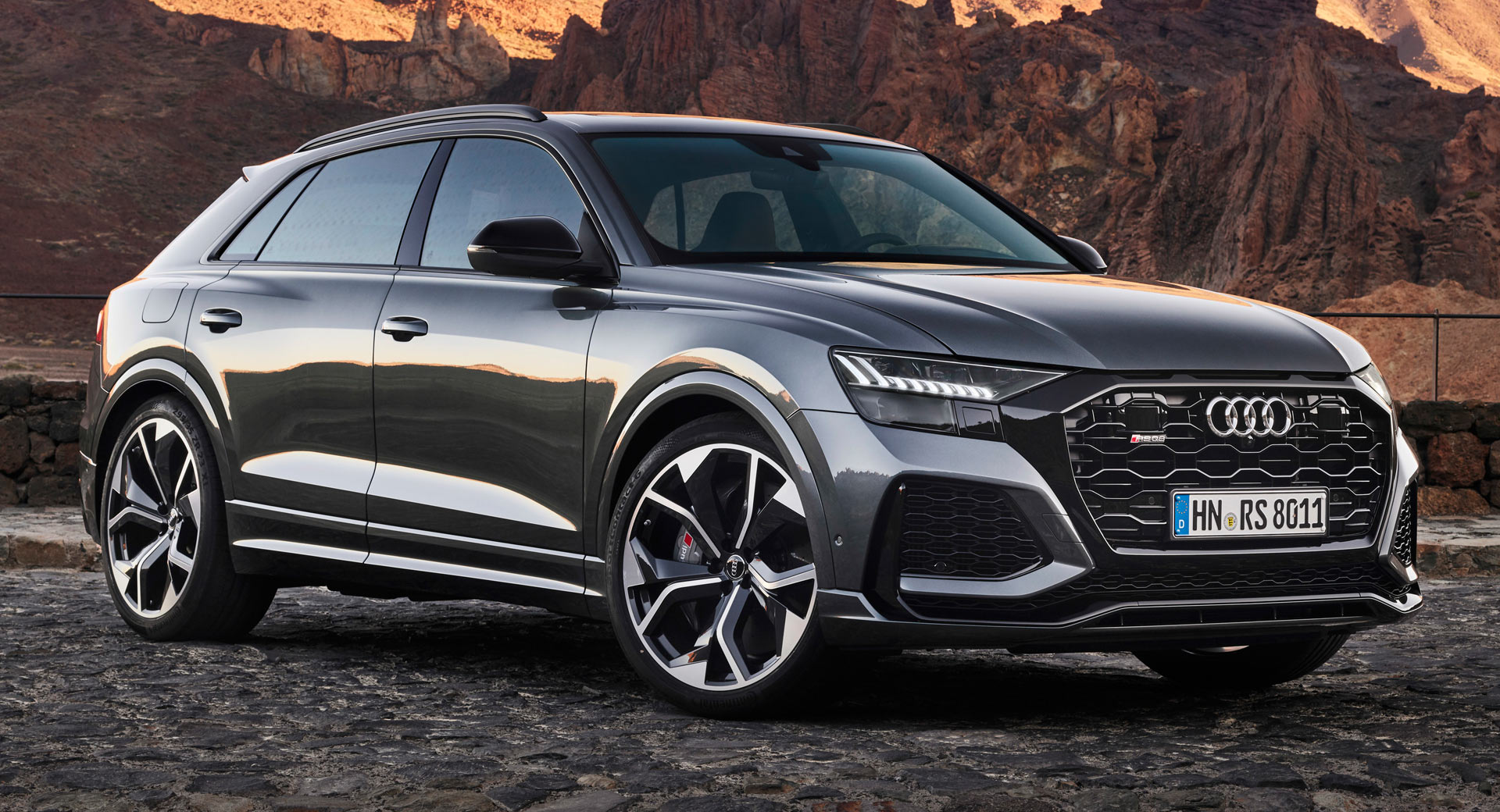 2020 Audi Rs Q8 Packs 591 Hp And A 113 000 Price Tag Carscoops