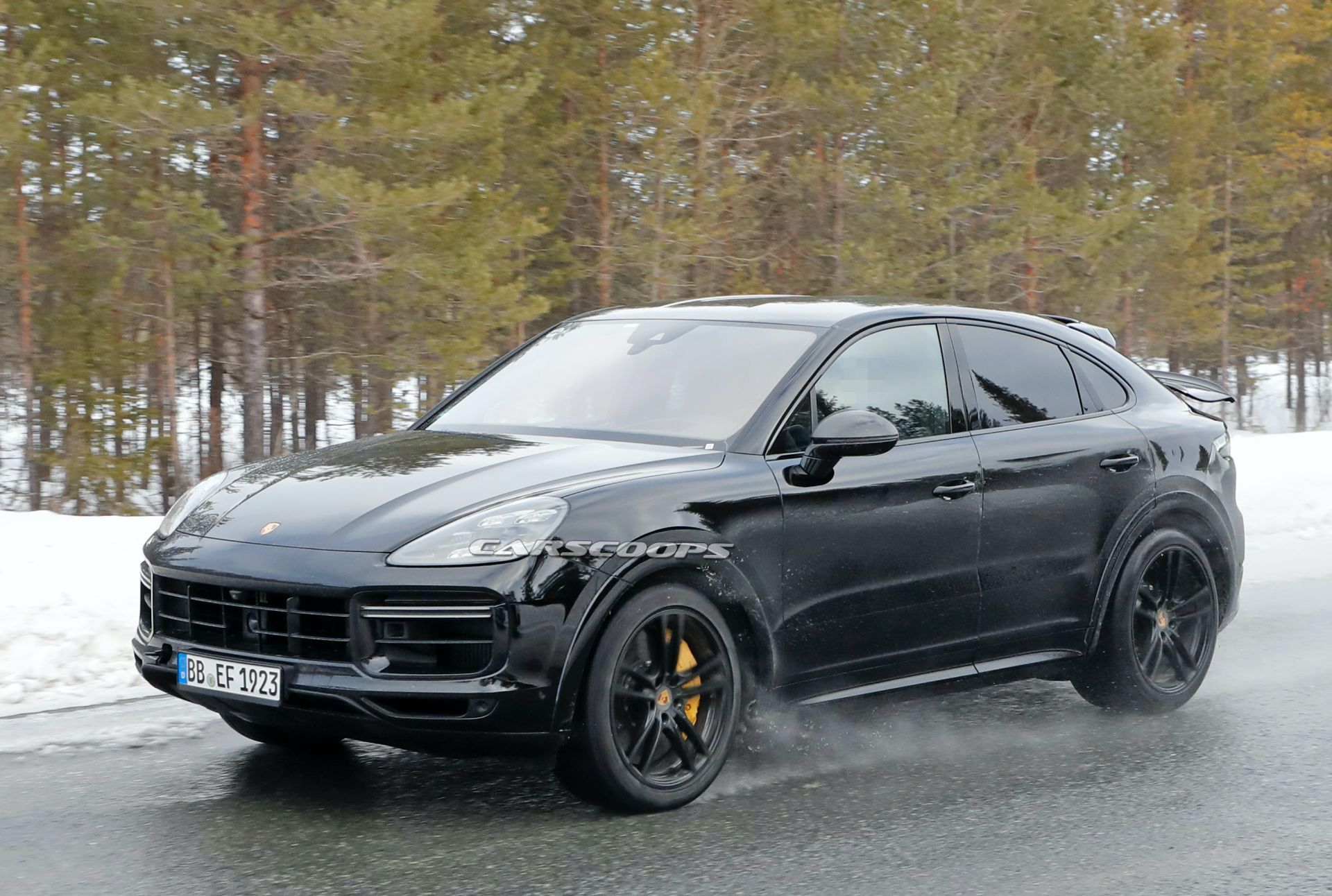 Hear The 2021 Porsche Cayenne Coupe Gt S Thunderous V8 Growl Carscoops