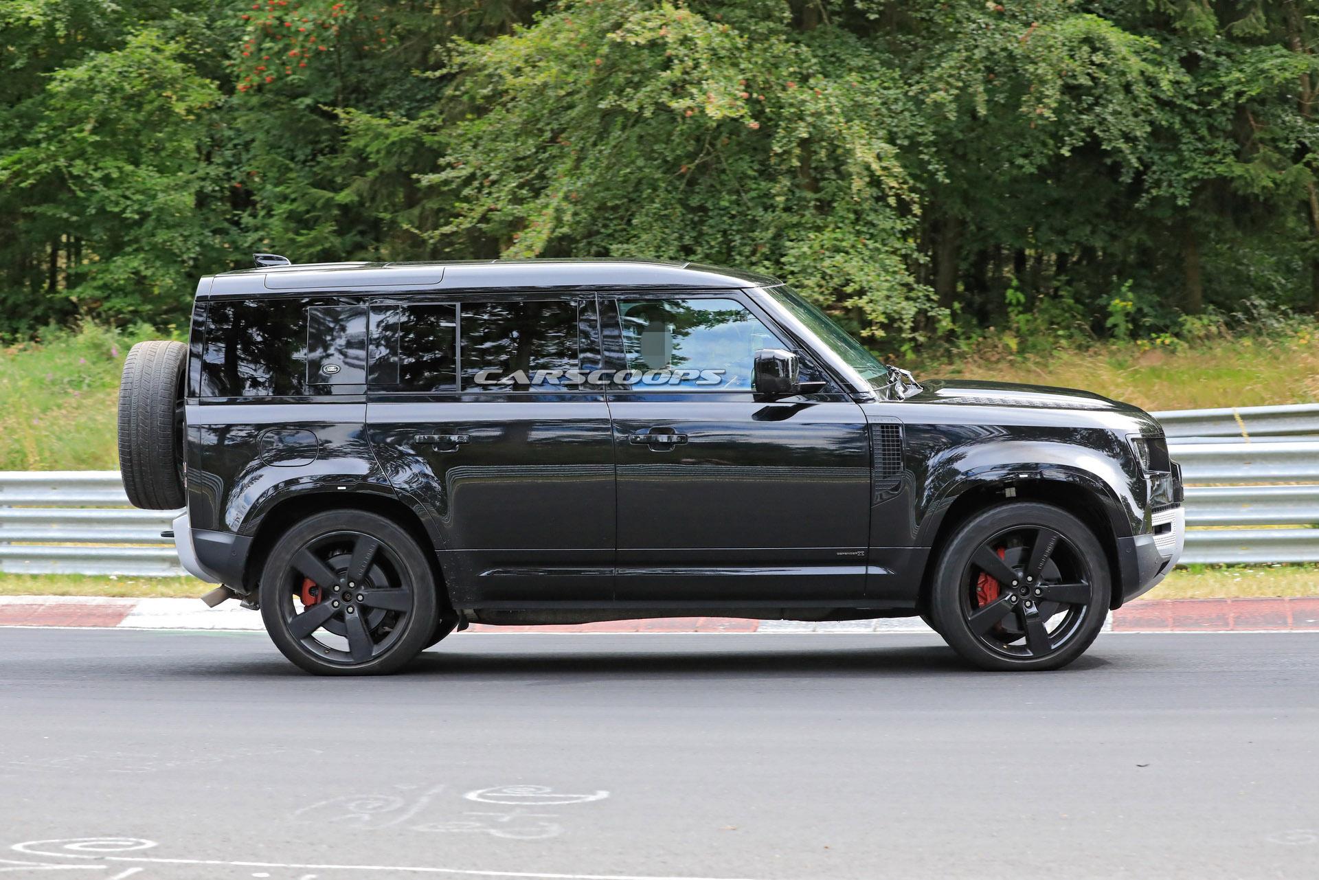 Does The 2021 Land Rover Defender V8 Look Better In Black ...