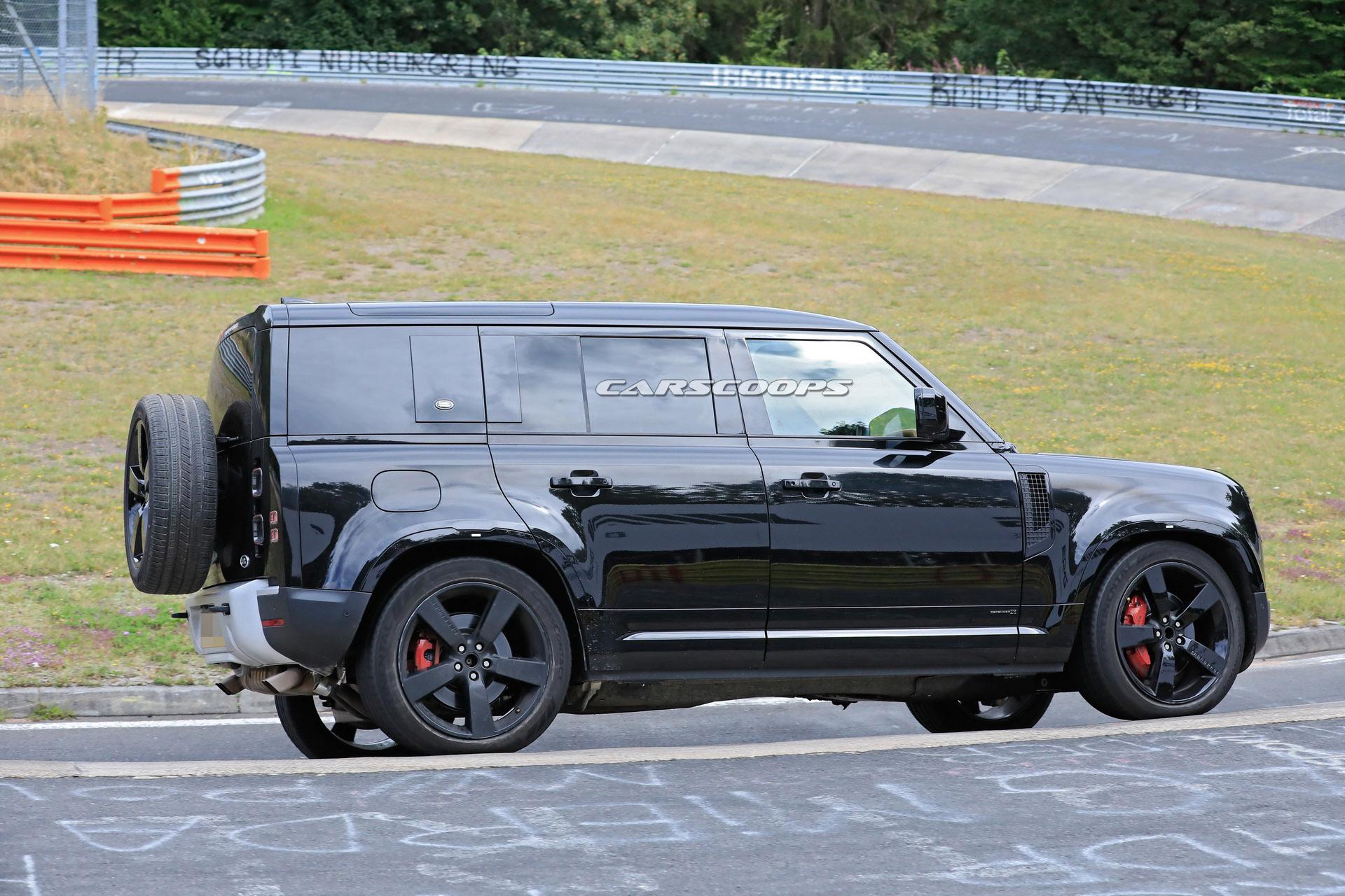 Does The 2021 Land Rover Defender V8 Look Higher In Black ...