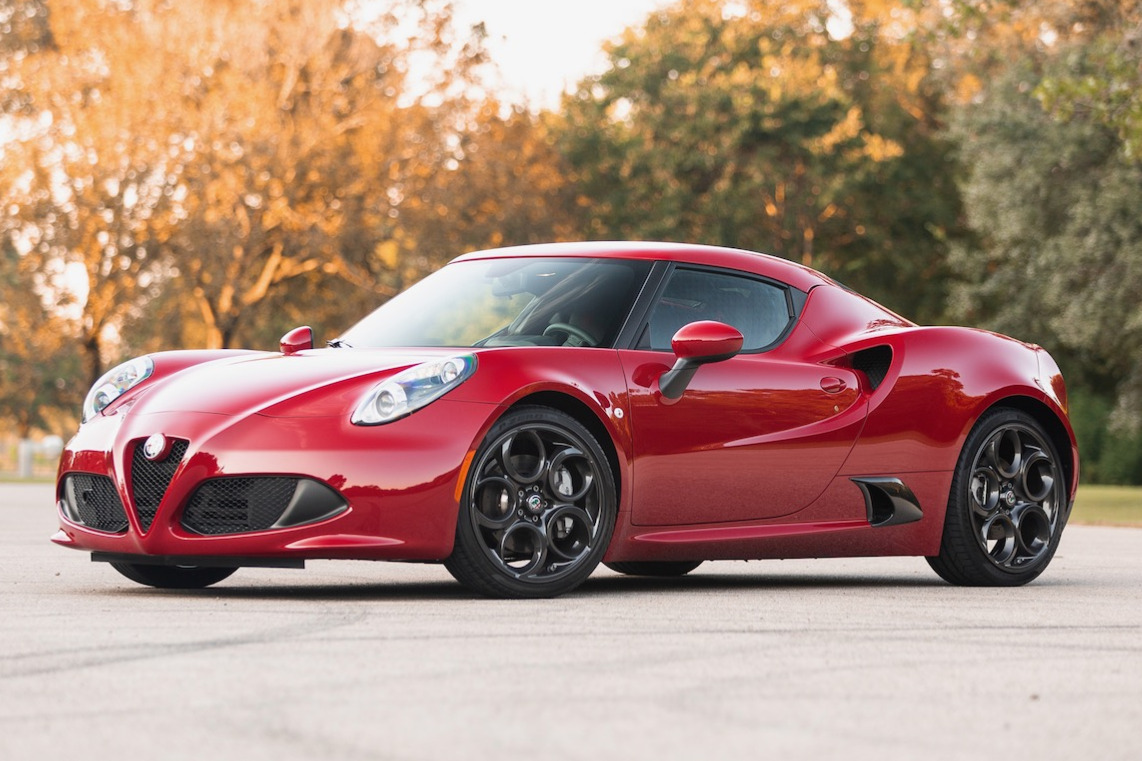 You Only Have A Few Days Left To Bid For This Immaculate Alfa Romeo 4C |  Carscoops
