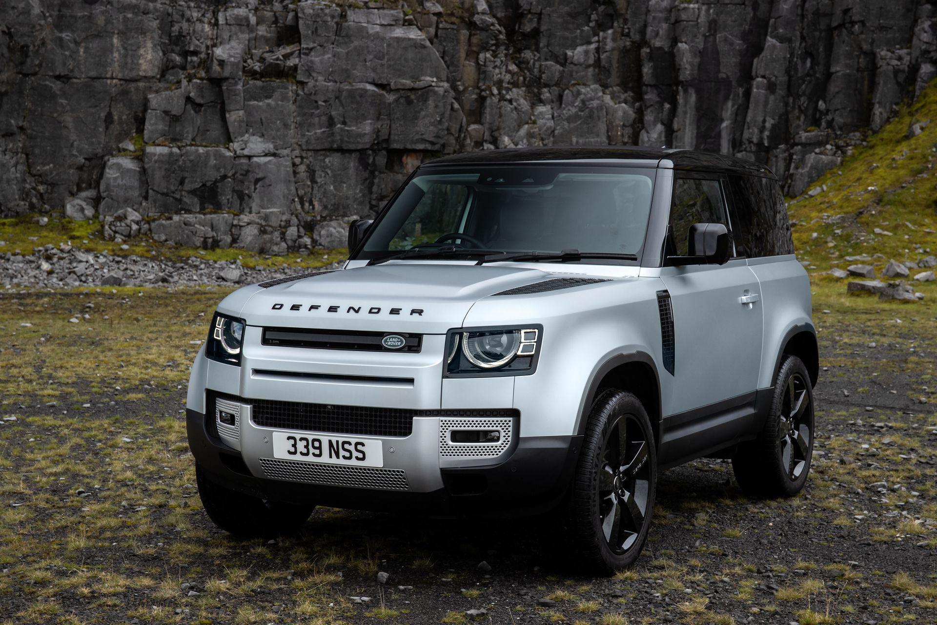 Land Rover Defender Gets New Plug-In Hybrid And Diesel ...