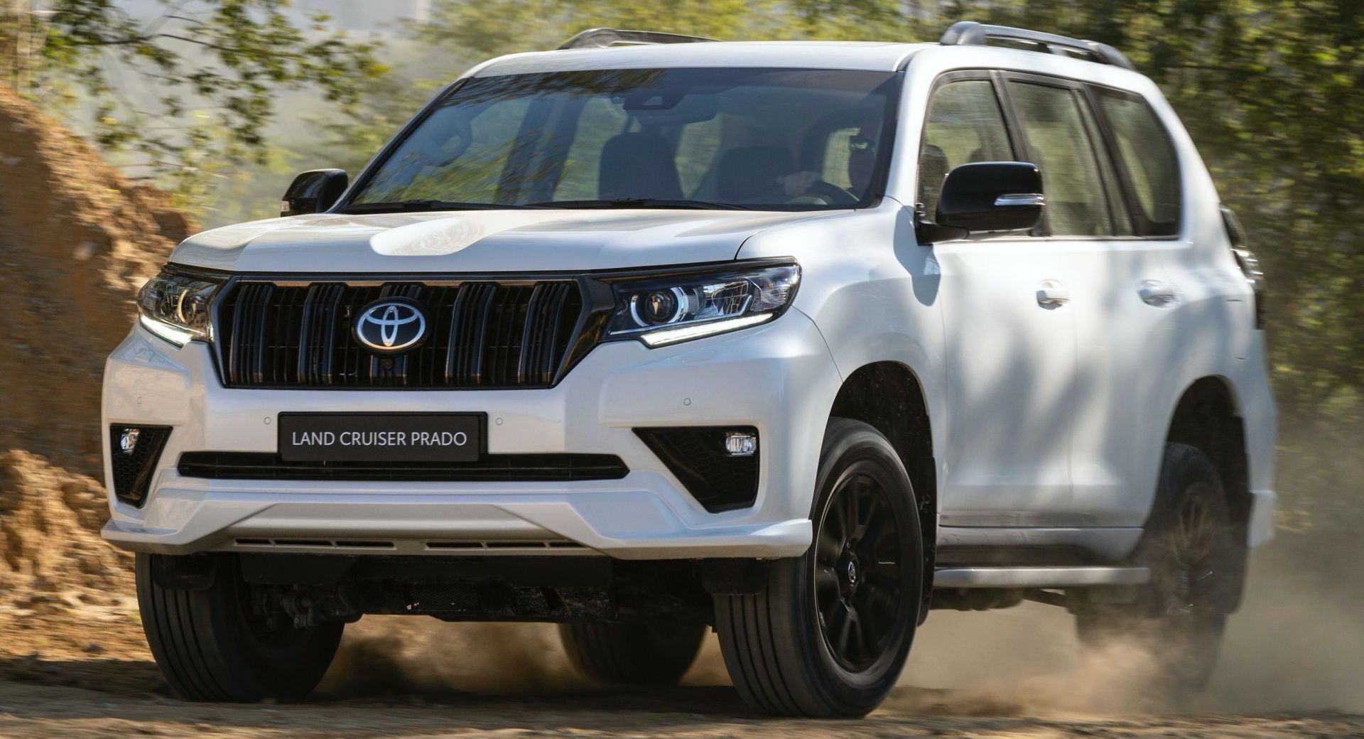 Research New Toyota Land Cruiser Prado 2021