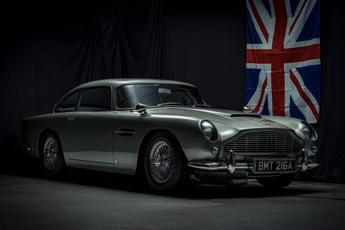 Someone Paid 200k For A Gadget Packed Aston Martin Db5 James Bond Replica With No Engine Carscoops
