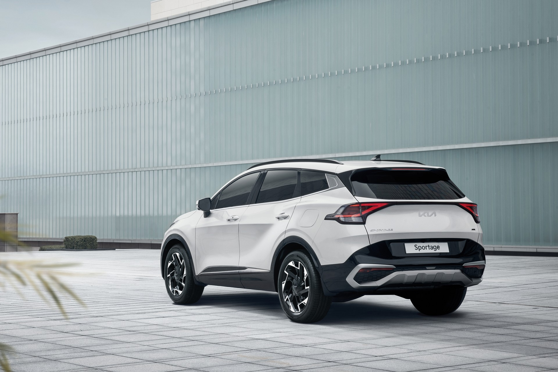 2023 Kia Sportage Debuts With Bold New Styling Vastly Improved Interior Carscoops